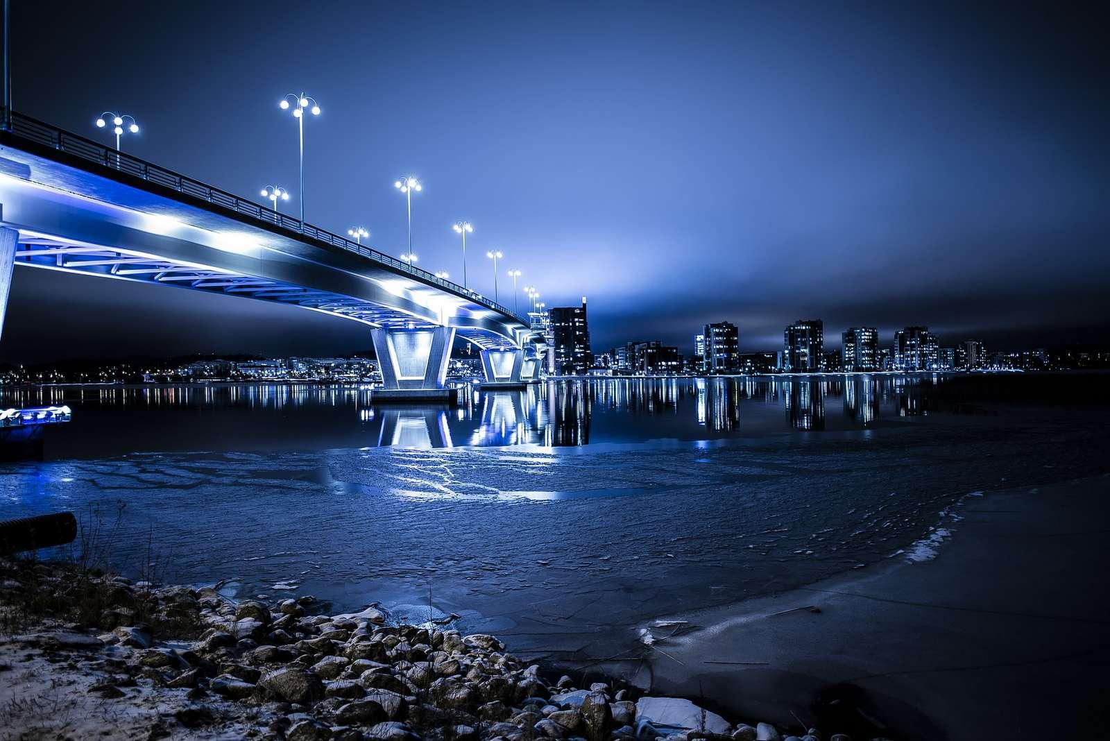 Smart Lightning Bild 1 Lit Bridge